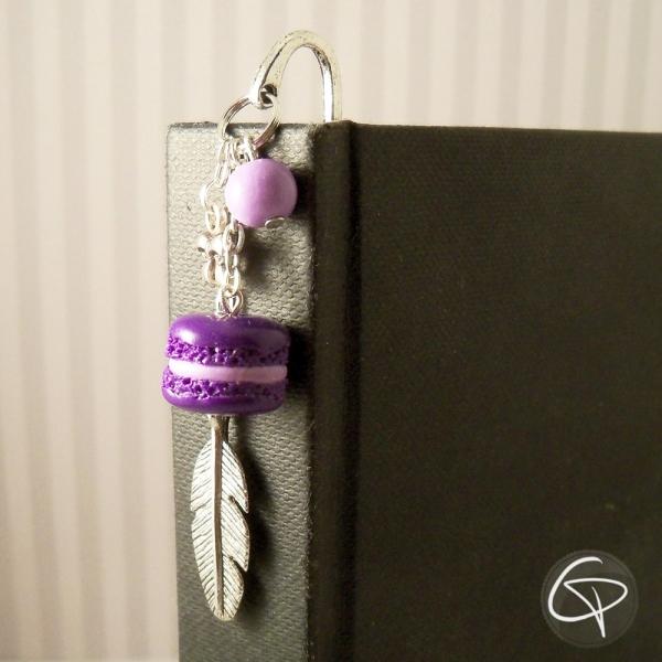 Marque-page bijou macaron violet - accessoire original lecture