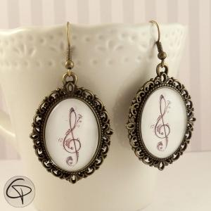 boucles d'oreilles clé de sol bijou original femme chantgeuse ou musicienne
