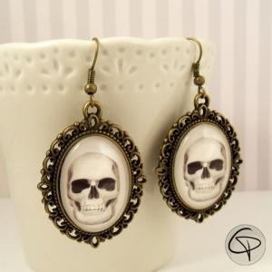 boucles d'oreilles tête de mort dessin crâne halloween