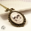 bijoux pour femme spécial halloween avec dessin de tête de mort