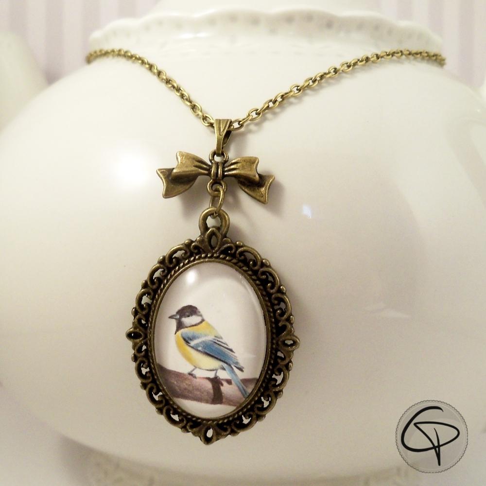 pendentif femme dessin mesange bijou avec illustration créateur
