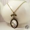 bijou avec mesange sautoir dessin oiseau fait main sous verre