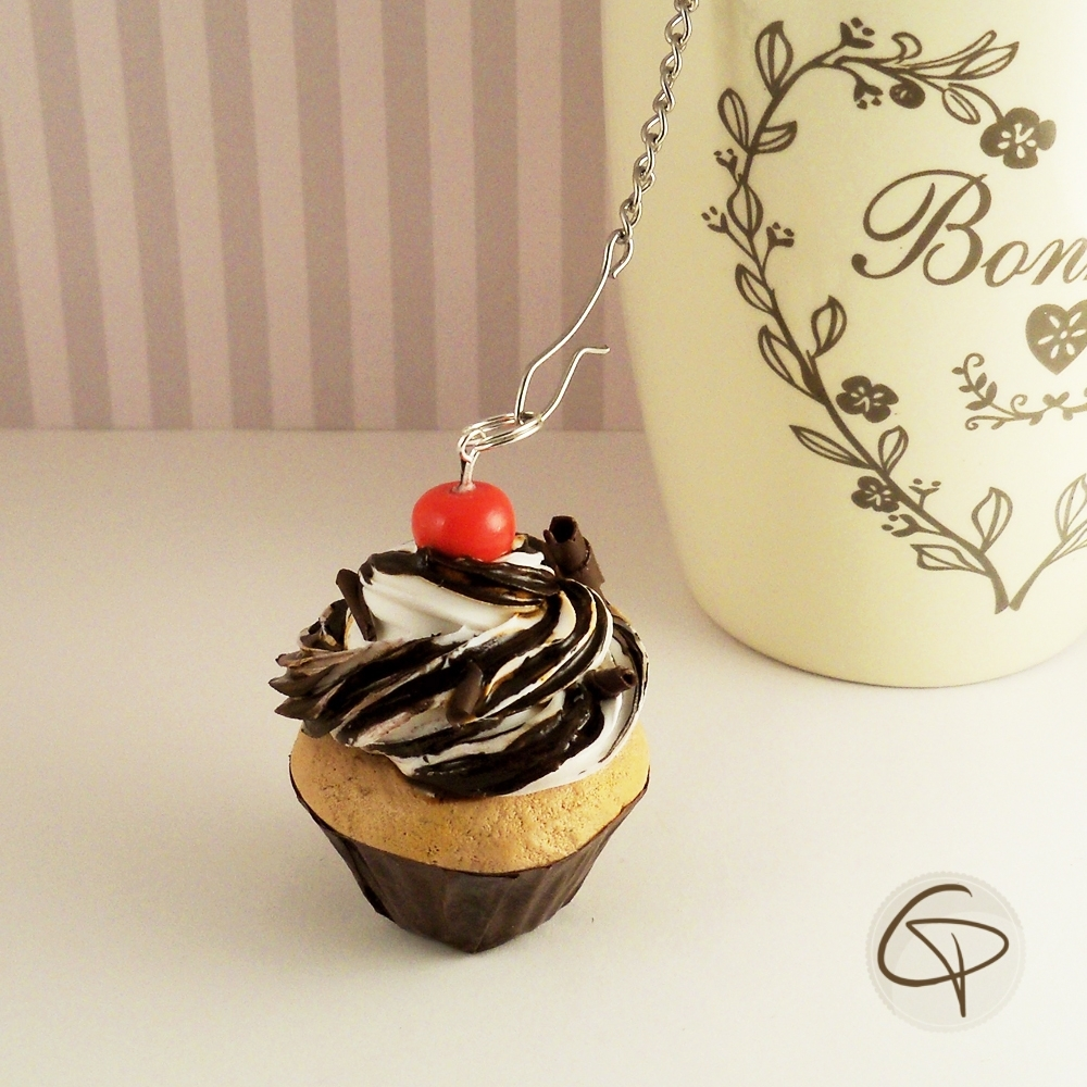 infuseur th cupcake chocolat cerise contre poids original. Black Bedroom Furniture Sets. Home Design Ideas