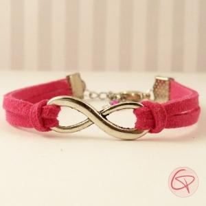 Bracelet infini cordons en suédine fuchsia