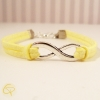Bracelet suédine jaune clair avec infini bijou original pour petite fille