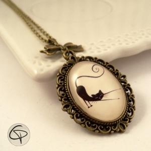 long collier avec dessin de chat bijou original pour femme