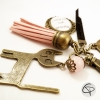 Porte-clef de sac maman pompon cuir rose cadeau original fête des mères