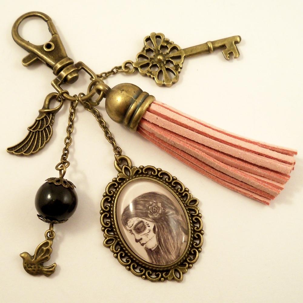 bijou de sac catrina pompon rose porte-clé original halloween femme