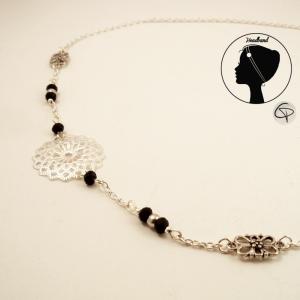bijou de tête avec rosace argentée et perles de cristal noires