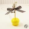 Sautoir pendentif pomme d'amour jaune vif avec un nœud ruban noir