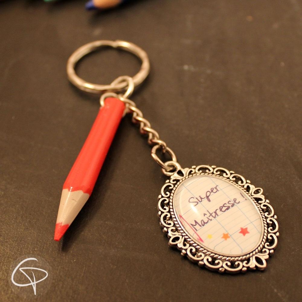Porte-clé crayon rouge cadeau maîtresse d'école