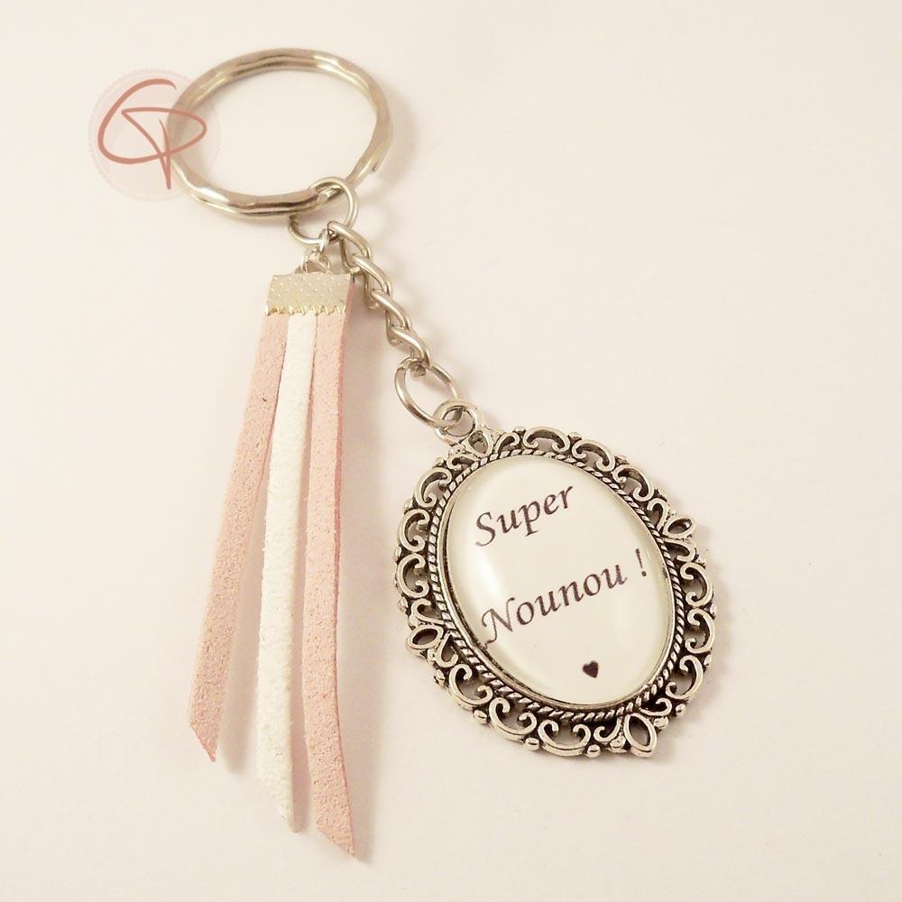 porte-clé super nounou rubans roses blanc modèle argenté