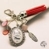 bijou de sac pompon carmin cadeau original et personnalisé bonne fête jolie maman fait main