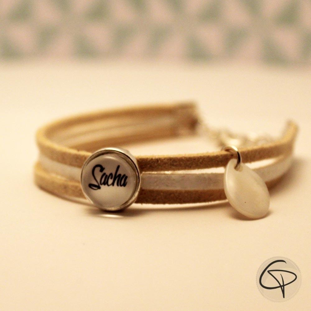 bracelet beige et blanc personnalisable. Black Bedroom Furniture Sets. Home Design Ideas