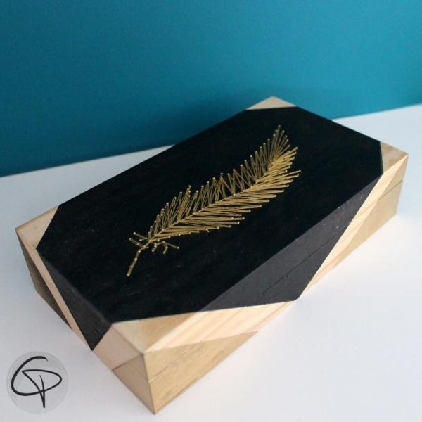 Boîte à trésor Plume 99 clous dorés