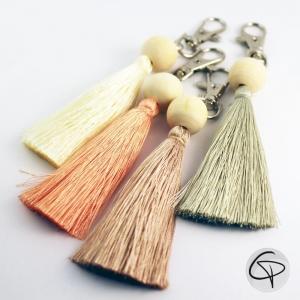 Porte-clefs pour sac à main pompon en satin bijou pour femme