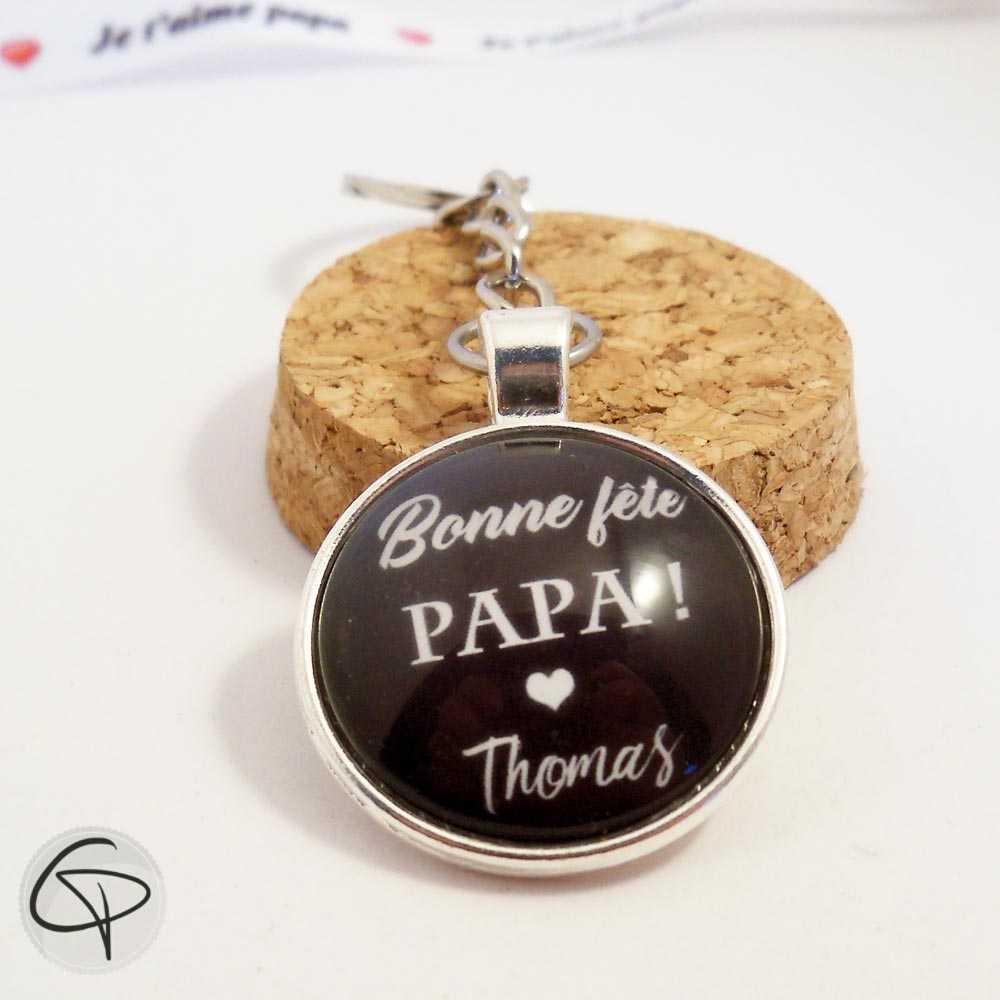 Porte-clef personnalisable fête des pères message sous médaillon  Porte-clé  métal argenté Bonne fête papa avec prénom personnalisé en pendentif ... bd9c643bdea