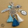 Porte-clef attrape-rêve cadeau original maîtresse personnalisé pompons bleus
