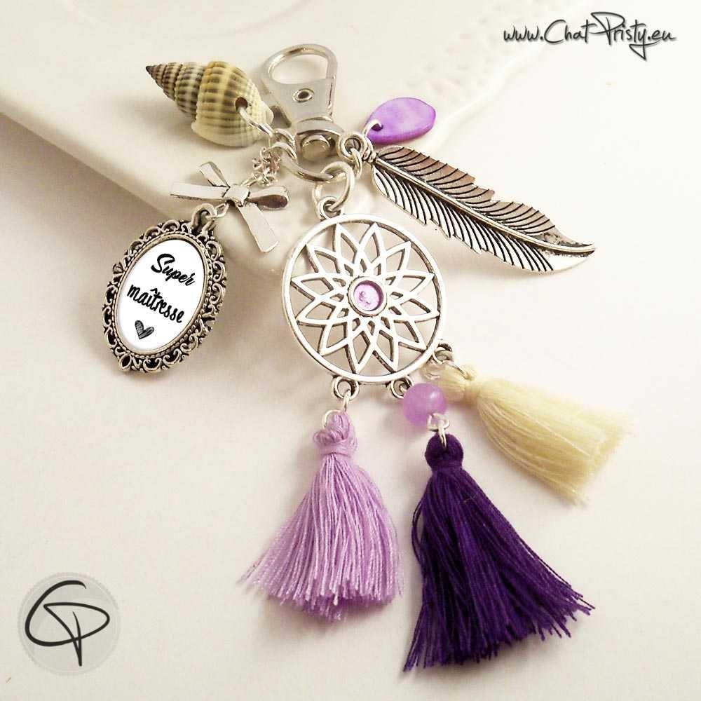 Bijou de sac pompons rose violet attrape-rêve cadeau maîtresse coquillage