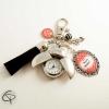 bijou pour sac à main pompon noir montre coccinnelle à personnaliser