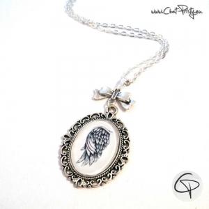 Sautoir long collier argenté illustration aile ange dessiné main