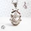 Sautoir bola de grossesse argenté avec pendentif en forme de tête de chat