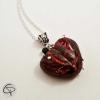 pendentif coeur ensanglanté rouge clous plantés bijou halloween femme