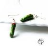 Boucles d'oreilles doigts zombie ensanglantés verts coupés