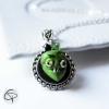 collier pendentif tête de zombie vert bijou halloween