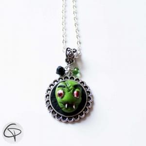 pendentif halloween tête de zombie monstre vert