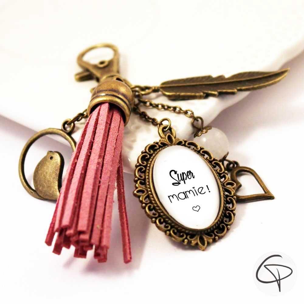 porte-clé de sac super mamie pompon rose cadeau original grand-mère