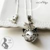 Beau pendentif chat argenté avec bola de grossesse bijou fait main
