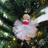 boule de Noël peinte main avec poupée en bois au pompon organza blanc