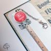 Signet en forme de règle droite avec médaillon chat couleur corail bonne fête mamie