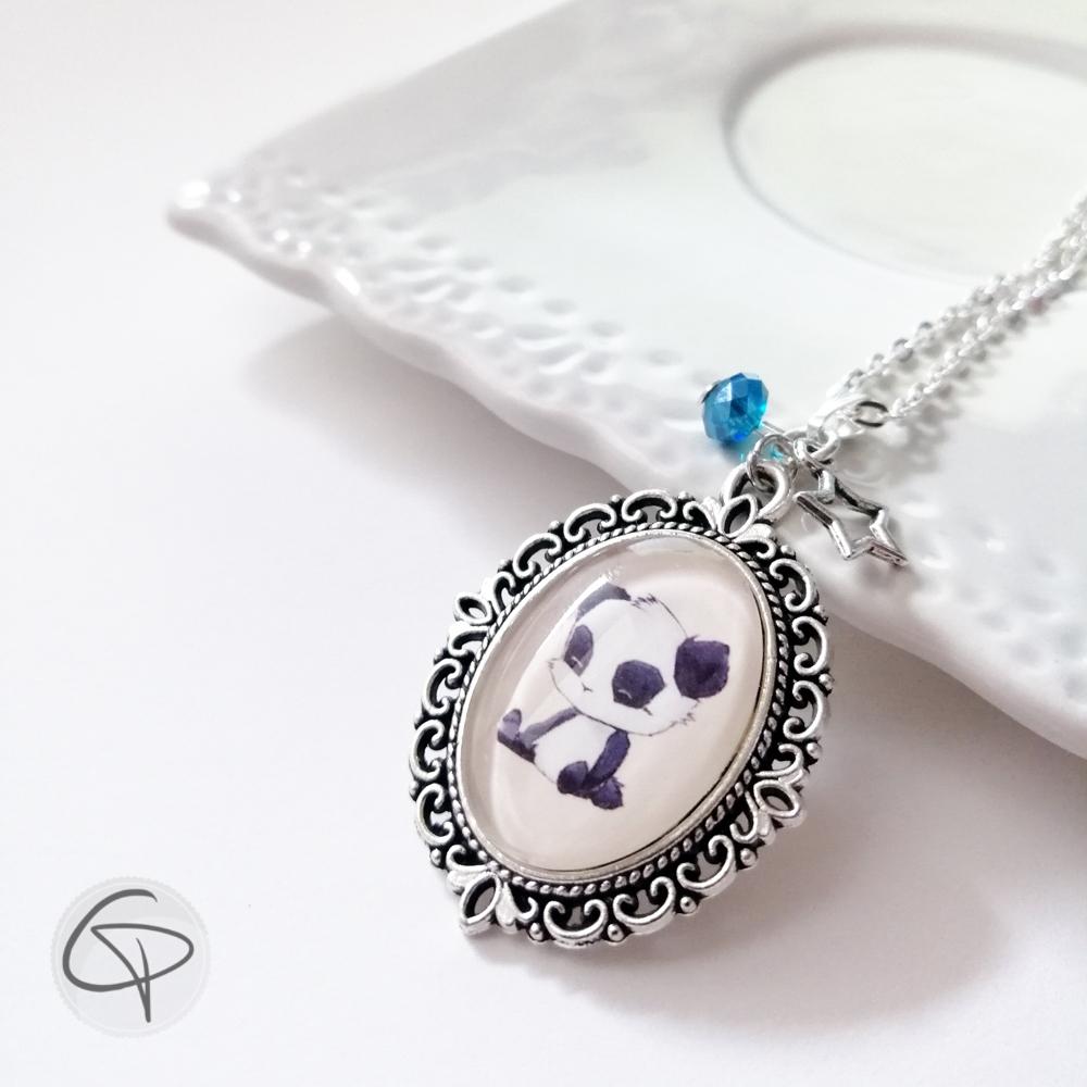 collier avec pendentif dessin panda illustration originale de créateur