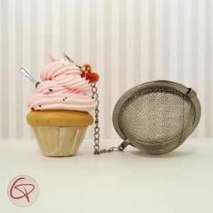 Boule à thé cupcake original avec chantilly rose