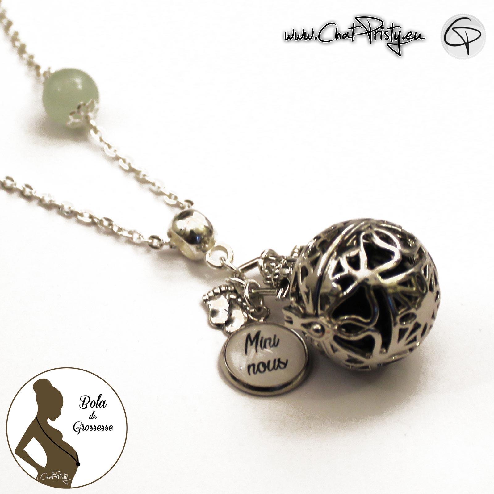 bijou femme enceinte bola de grossesse gémellaire médaillon à personnaliser avec un message pour jumelles ou jumeaux