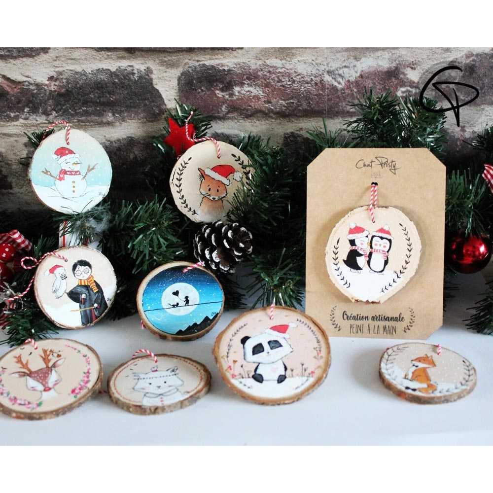 déco de Noël en bois peint main à personnaliser avec un prénom pour le premier Noël