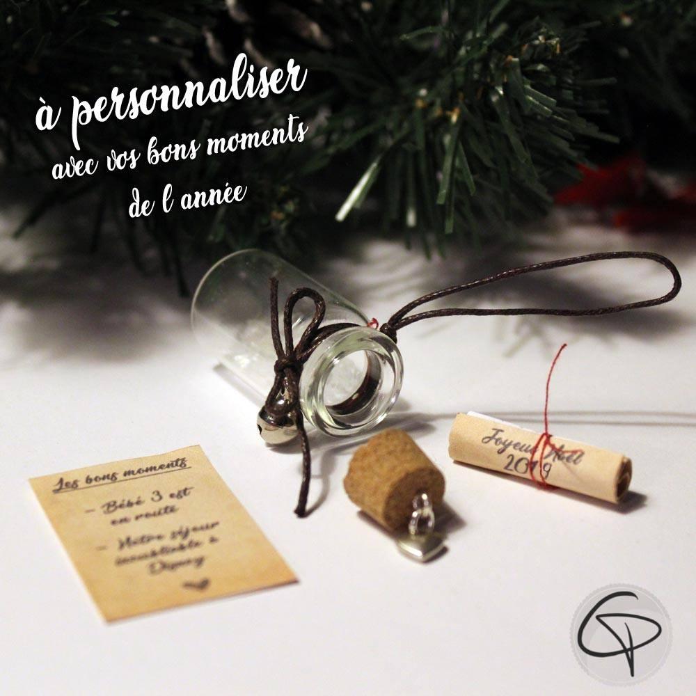 suspension en verre pour sapin de Noël avec un message personnalisé