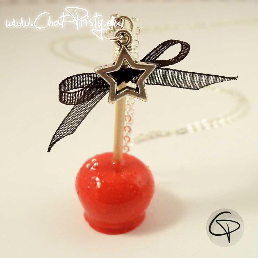Sautoir pomme d'amour rouge carmin avec nœud ruban Chat Pristy