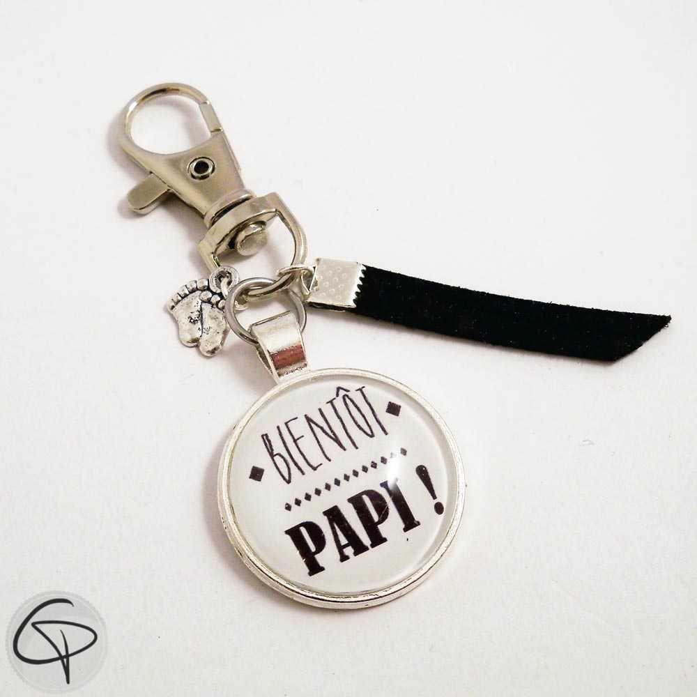Porte-clef artisanal pour annoncer sa grossesse à son propre papa