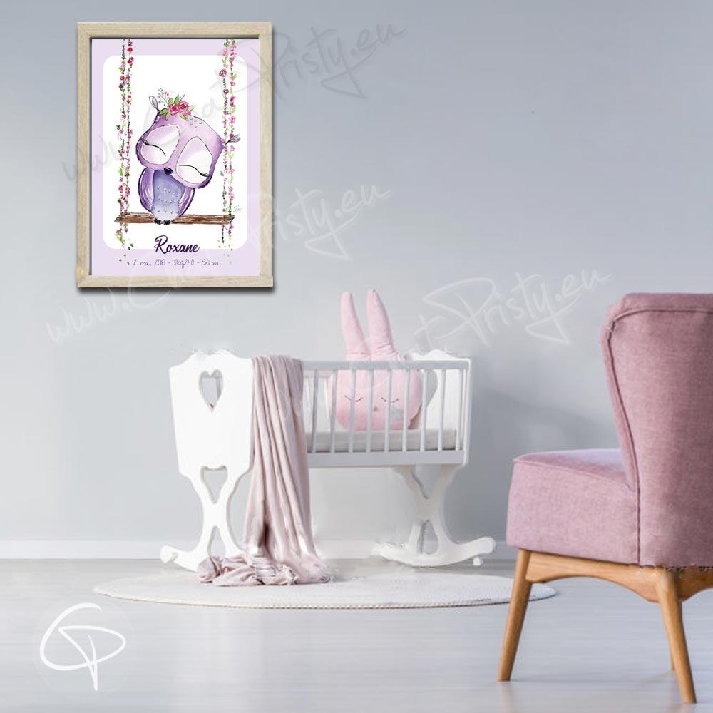 Cadeau de naissance chouette violette et fleurs personnalisée pour décorer chambre fille
