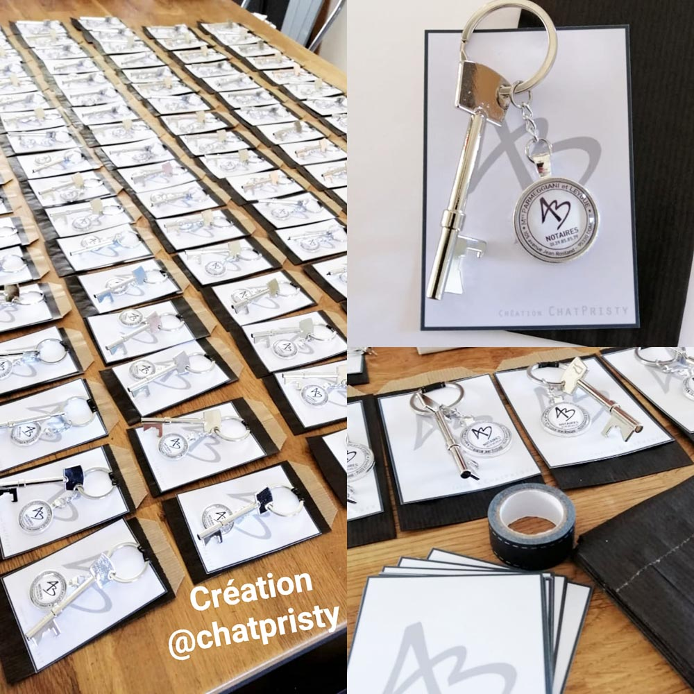 Cadeau original pour entreprise avec un décapsuleur et medaillon personnalisable