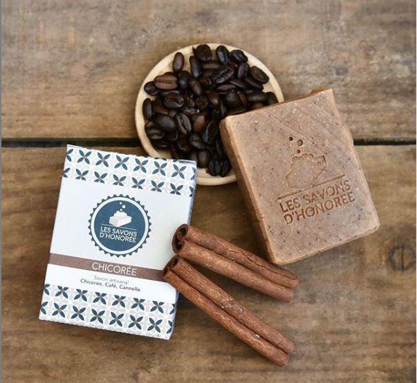 Savon au café fabriqué artisanalement par saponification à froid